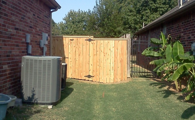 Stepped Capped Cedar Gate